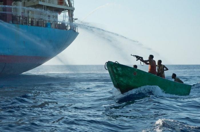 قراصنة يحتجزون سفينة تركية:  قتل أذربيجاني