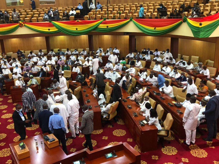 Soldiers steps in to quellGhana parliament before inauguration