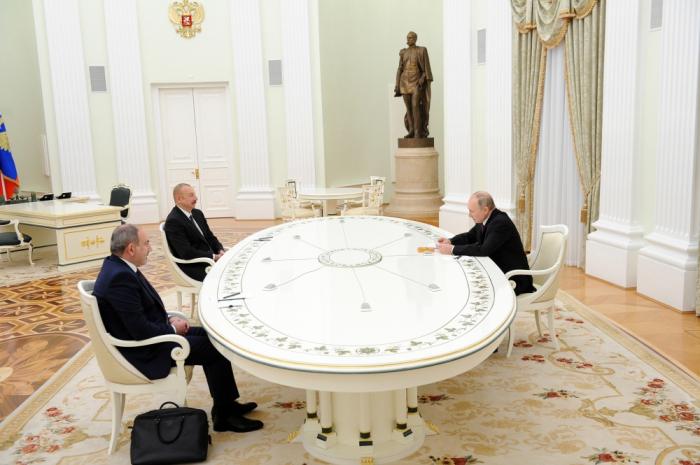 Leaders of Azerbaijan, Russia and Armenia sign statement - PHOTOS