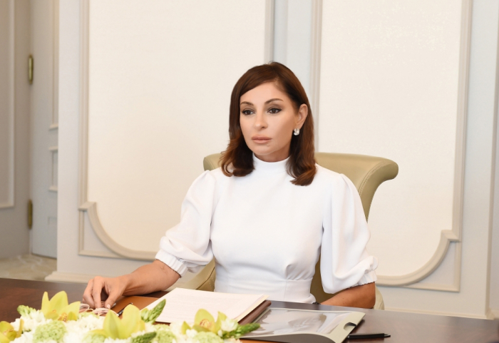 Azerbaijan's First VP Mehriban Aliyeva gives instructions on Victory Museum