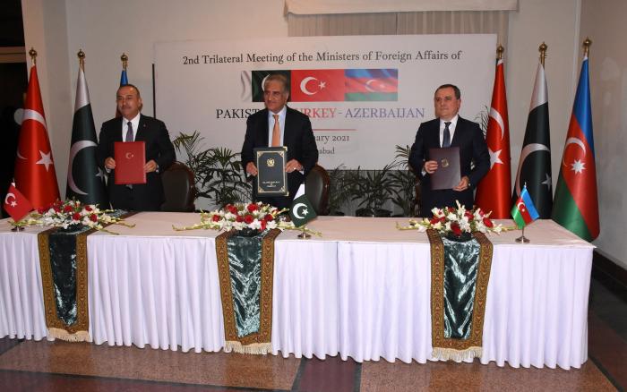 Azerbaijani, Turkish and Pakistani FMs adopt Islamabad declaration