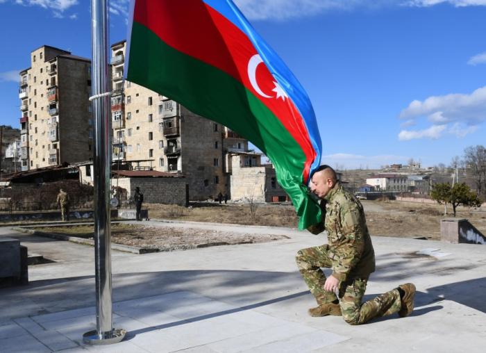 President Aliyev hoists Azerbaijani flag in Shusha -  PHOTOS