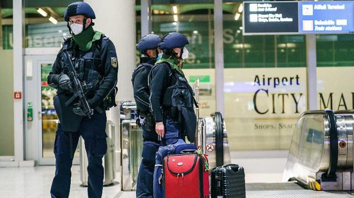Mann löst Alarm am Flughafen Frankfurt aus