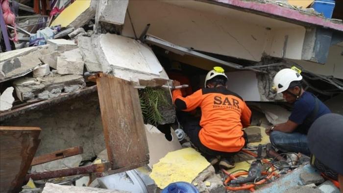 Indonésie:   le bilan du séisme qui a frappé l