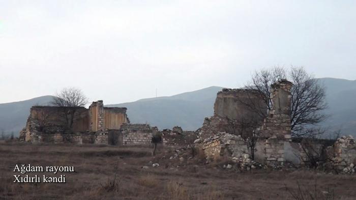 Ministerio de Defensa emite imágenes de la aldea liberada de Khidirli de Aghdam -   VIDEO