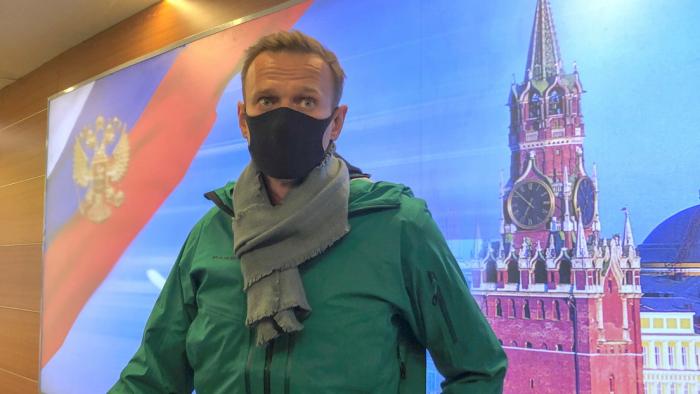 """Lavrov:   Occidente usa la situación en torno a Navalny para """"desviar la atención de la crisis del modelo liberal"""""""