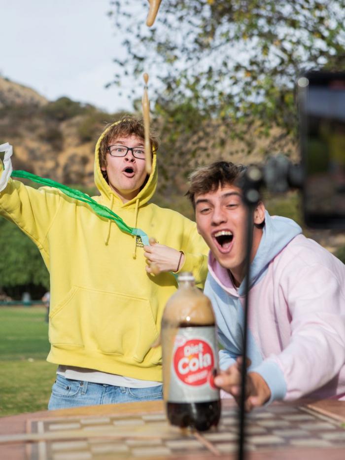 Una estrella de TikTok probó suerte en Snapchat y ganó más de tres millones de dólares en poco más de un mes