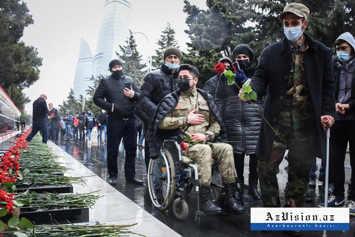 El pueblo de Azerbaiyán conmemoraa los mártires del 20 de Enero-  Fotoreportaje