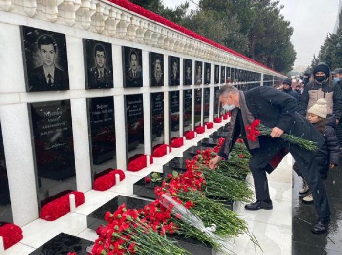 """""""Ese día, la gente se despertó con el deseo de libertad"""" -   el embajador de Ucrania"""