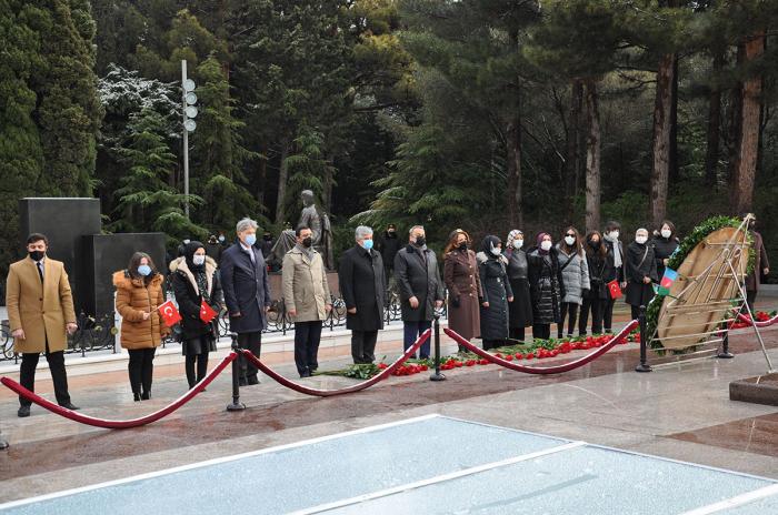 Une délégation composée de psychologues turcs avisité l'Allée d'Honneur -  PHOTO