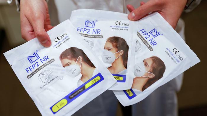 Pflicht zum Tragen von FFP-2-Masken: Können sich Bedürftige überhaupt welche leisten?