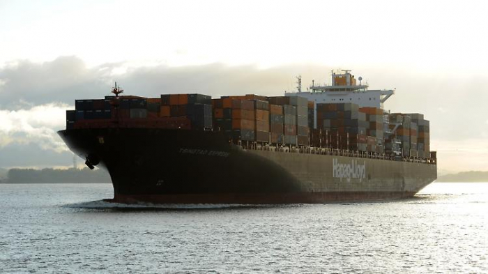 Containerriesen fahren Corona-Flaute davon