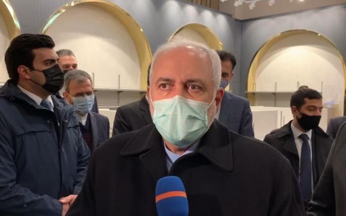 El canciller iraní llega a Bakú