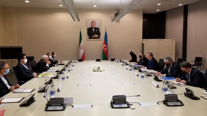 Treffen der Außenminister Aserbaidschans und des Iran stattgefunden