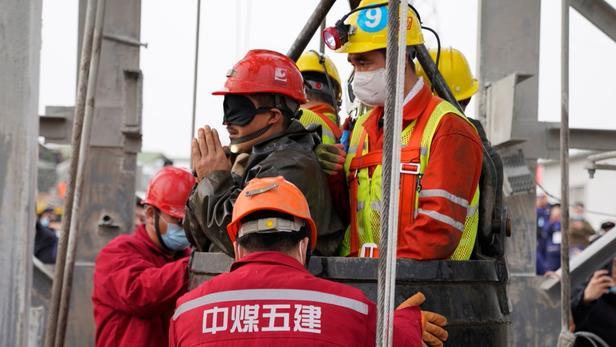 Chine: neuf des 10 mineurs encore coincés sous terre ont été retrouvés morts