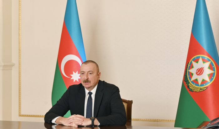 Le président Ilham Aliyev s'entretient par visioconférence avec Aydin Karimov
