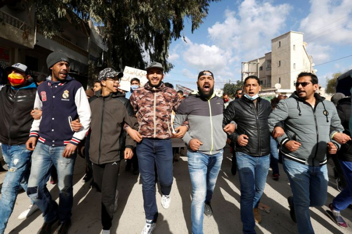Cabinet reshuffle approved in Tunisia amid protests