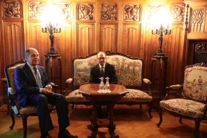 Lavrov y Ayvazyán discutieron las declaraciones de Karabaj