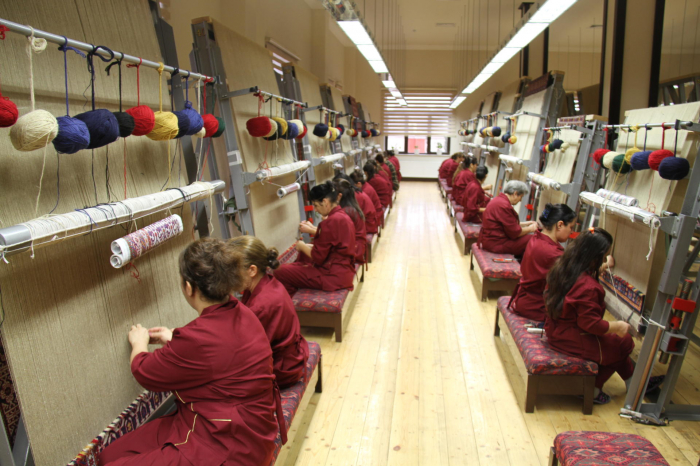 Azerbaijan to open new carpet factory