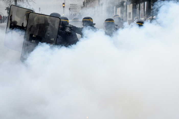 Tens of thousands hold protest against new French security bill -   NO COMMENT