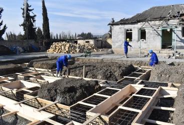 Se inician los trabajos de reparación de los daños causados a los bienes inmuebles civiles como consecuencia de la agresión armenia