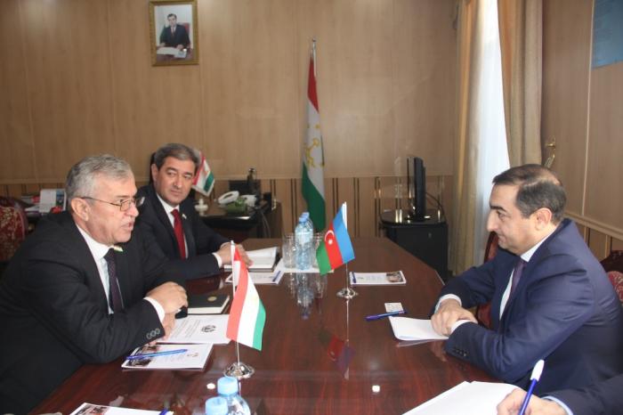 Azerbaijan, Tajikistan discuss cooperation prospects