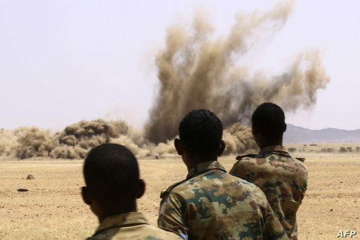 """مسؤول عن إدارة معسكرات النازحين في دارفور يكشف سبب """"الدمار الكامل"""" لمعسكر كريندق"""