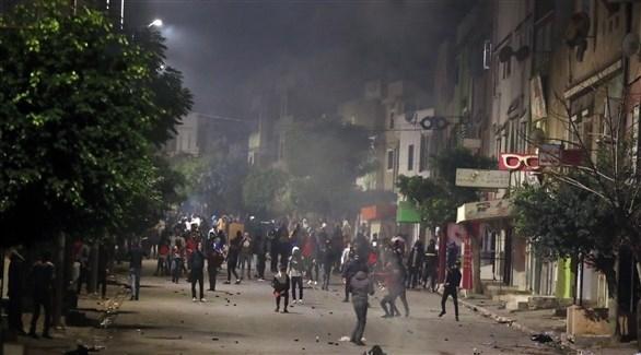 """أسر ومنظمات غير حكومية في تونس تندد بحملة اعتقالات """"عشوائية"""""""