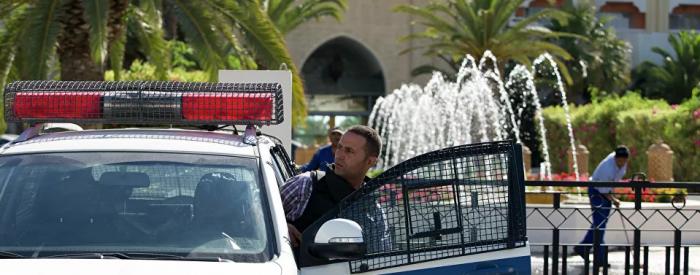 الشرطة التونسية تشتبك مع محتجين بعد اعتداء شرطي على راعي أغنام