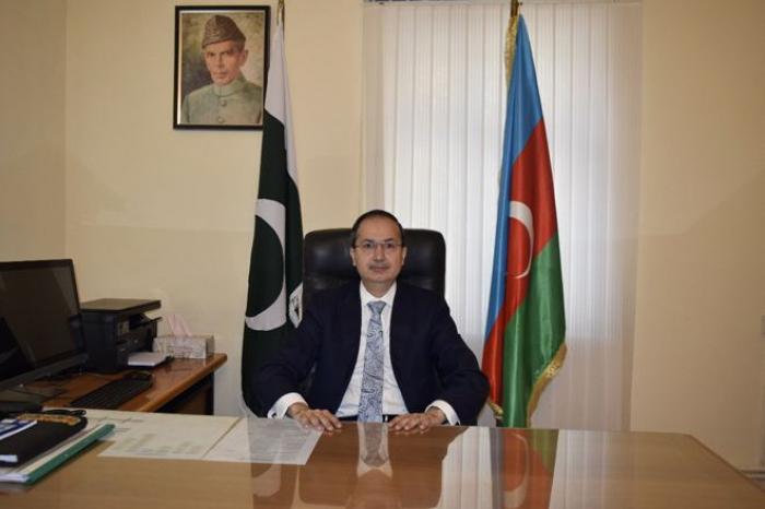 """السفير الباكستاني  : """"حرية الأمة تغذيها دماء الشهداء"""""""