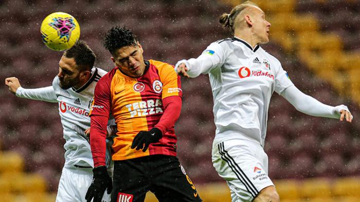 """""""Beşiktaş"""" """"Qalatasaray""""a qalib gəldi"""