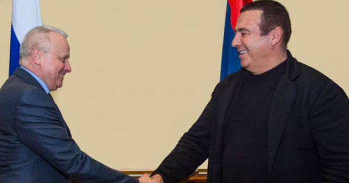 Rusiya səfiri Paşinyanın rəqibi ilə danışıqlar apardı