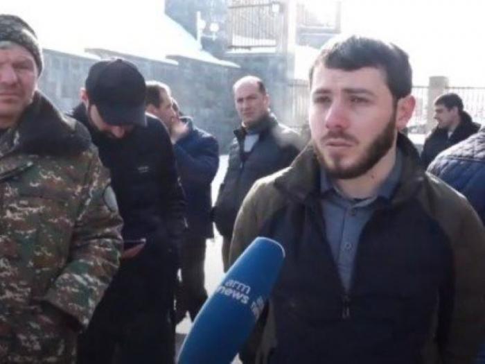 المشاركون في حرب كاراباخ ينظمون مسيرة في يريفان