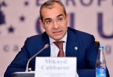 """Mikayil Jabbarov: """"La participación del sector no petrolero en el PIB supera el 70%"""""""