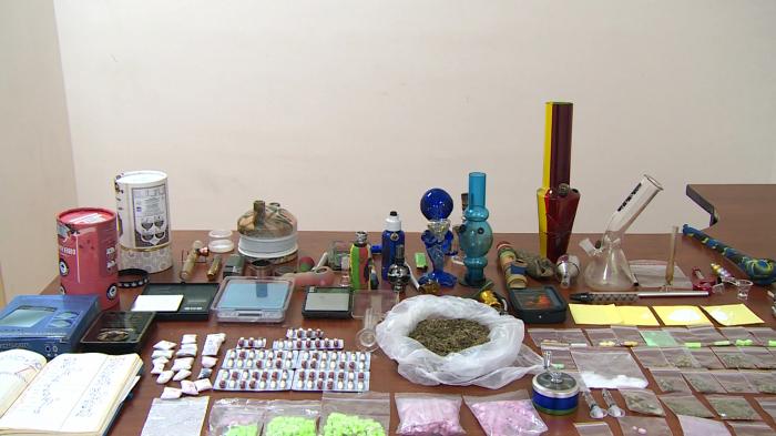 Türkiyədən Azərbaycana narkotik gətirən qadın tutuldu -    VİDEO