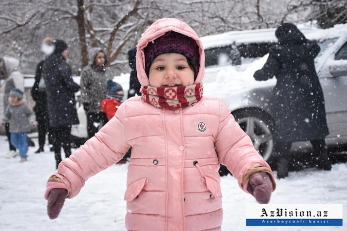 La première neige est tombée à Bakou-  PHOTOS