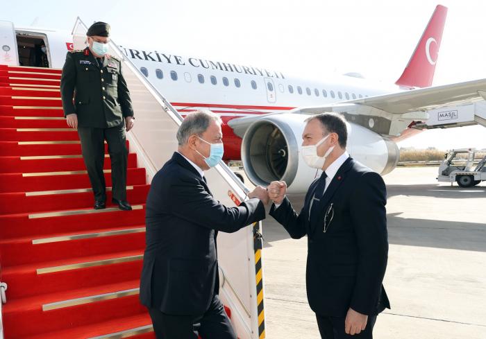 Hulusi Akar ordu generalı ilə İraqa getdi -  FOTO