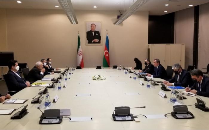 Jeyhun Bayramov se reunió con Zarif -   ACTUALIZADO