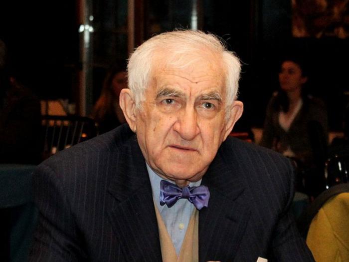 """Tofiq Bakıxanov """"Şərəf"""" ordeni ilə təltif olundu"""