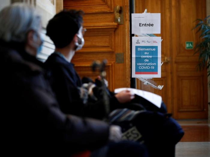 Moins de 4.000 nouveaux cas de Covid-19 en France
