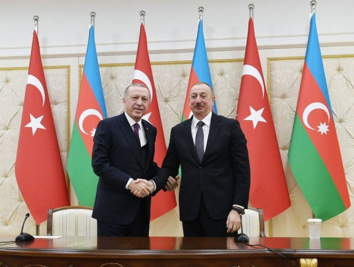 Ilham Aliyev y Erdogan mantuvieron una conversación telefónica