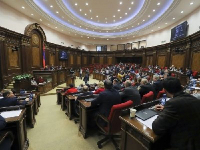 """فصيل """"أرمينيا المشرقة"""" يقاطع جلسة البرلمان"""