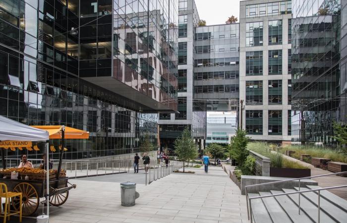 Amazon to establish pop-up COVID-19 vaccine clinic in Seattle headquarters