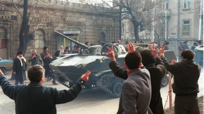 """El valor de la independencia:  Enero """"neqro"""" de Azerbaiyán"""