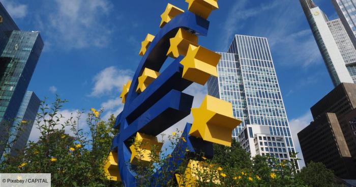 L'UE prévoit de réduire sa dépendance au dollar, affirme le Financial Times