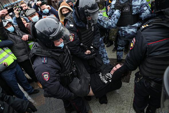 Moskvada Navalnıya dəstək aksiyası keçirilir