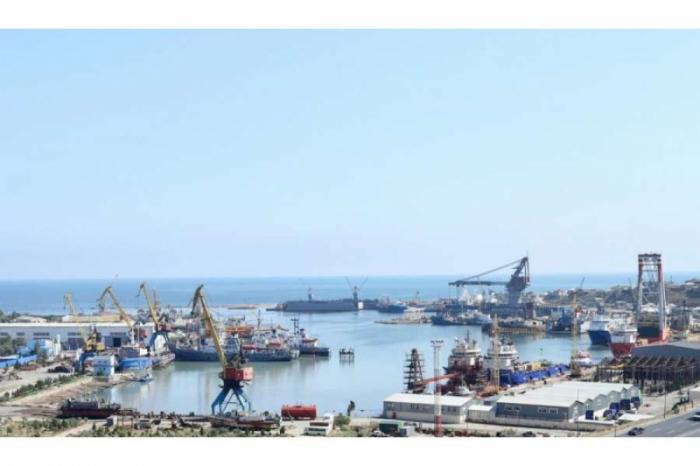 """Azerbaiyán revela el número de buques reparados en el astillero """"Bibiheybat"""" en 2020"""