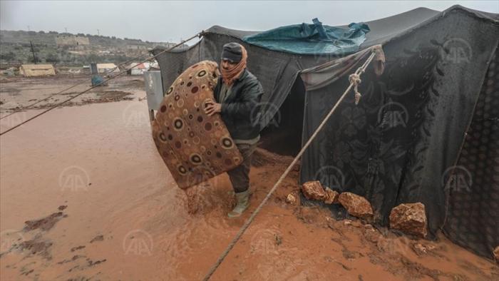 Syrie: inondations dans les tentes de 50 mille civils d'Idleb