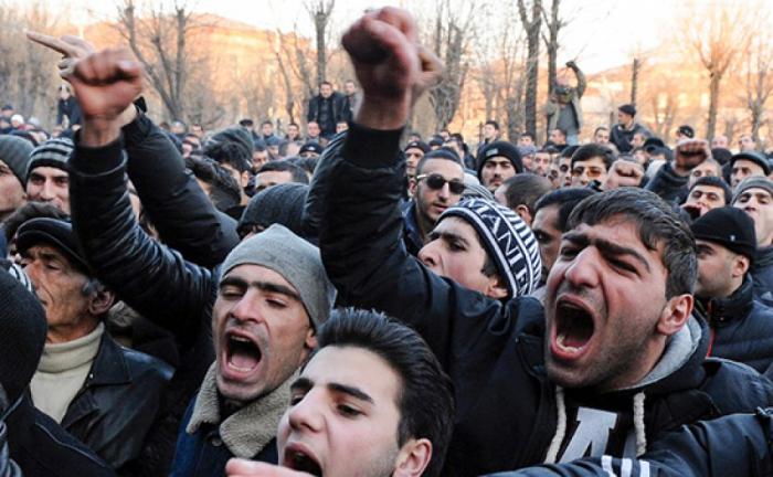 مسيرة للمطالبة باستقالة باشينيان في يريفان
