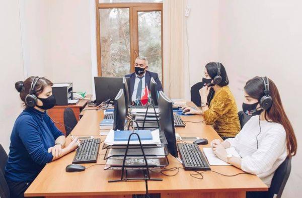 Radio aparıcıları üçün təlimlər keçiriləcək -  FOTO